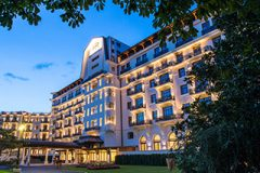 hotel-5-stars-luxe-palace-royal