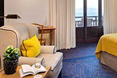 hotel-5-stars-palace-room-lounge-lake-view-balcony-royal