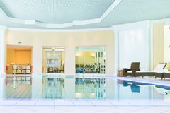 hotel-5-stars-luxe-palace-inside-swimming-pool