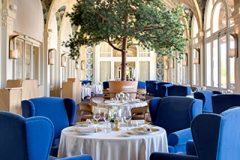 hotel-5-stars-luxury-palace-restaurant-les-fresques
