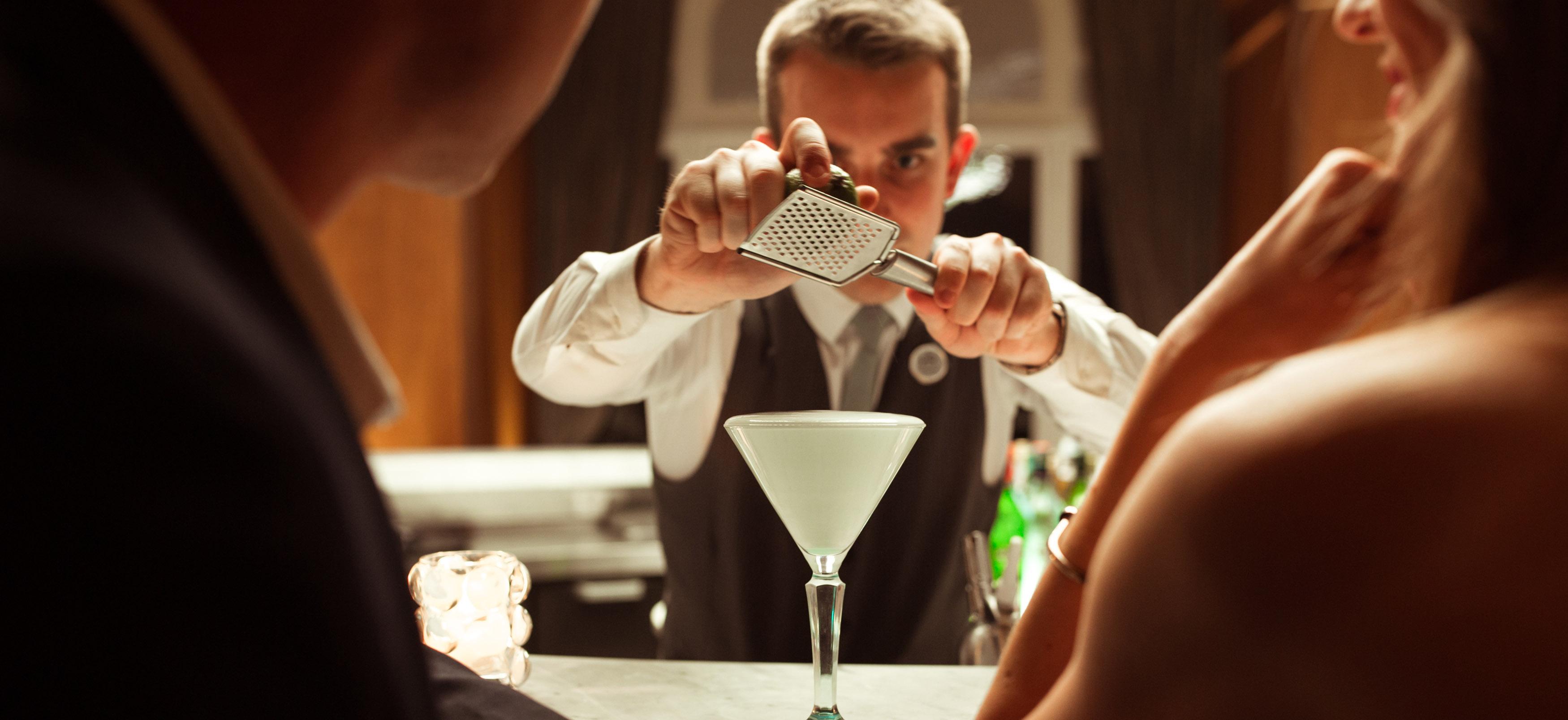 Bar evian d tente et convivialit dans les bars de l for Art de la table de luxe