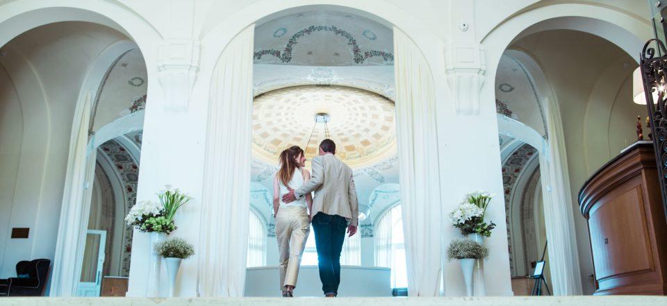Escapade Romantique à l'Hôtel Royal
