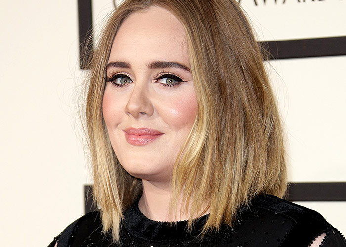 Adele Takes To Social Media With No Makeup On