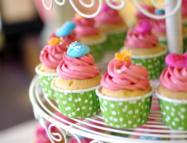 Lovely vanilla fairy cupcakes fun to make with the kids for How to make fairy cupcakes