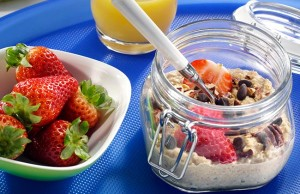 Overnight Oats with Strawberries and Cream