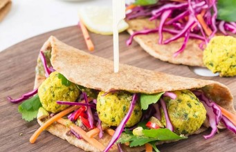 Falafels with Turmeric and Wholegrain Wraps