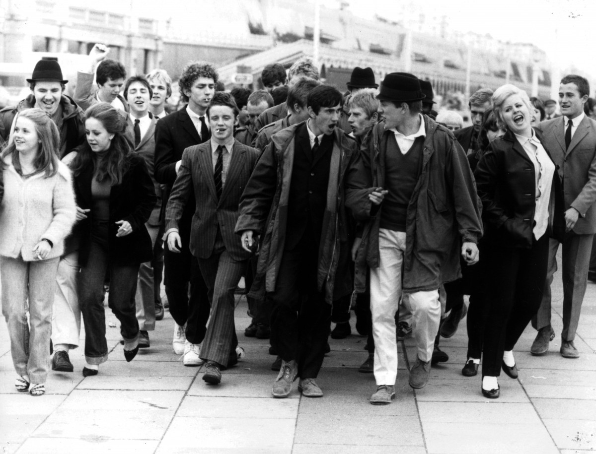 a comparison between the youth of 1920s and the youth of 1990s Indeed, by the 1990s the youth market had expanded to embrace not only teenagers  the 1920s and 1930s saw the youth market expand further in britain.