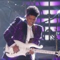 Bruno Mars butchering Prince's guitar solo