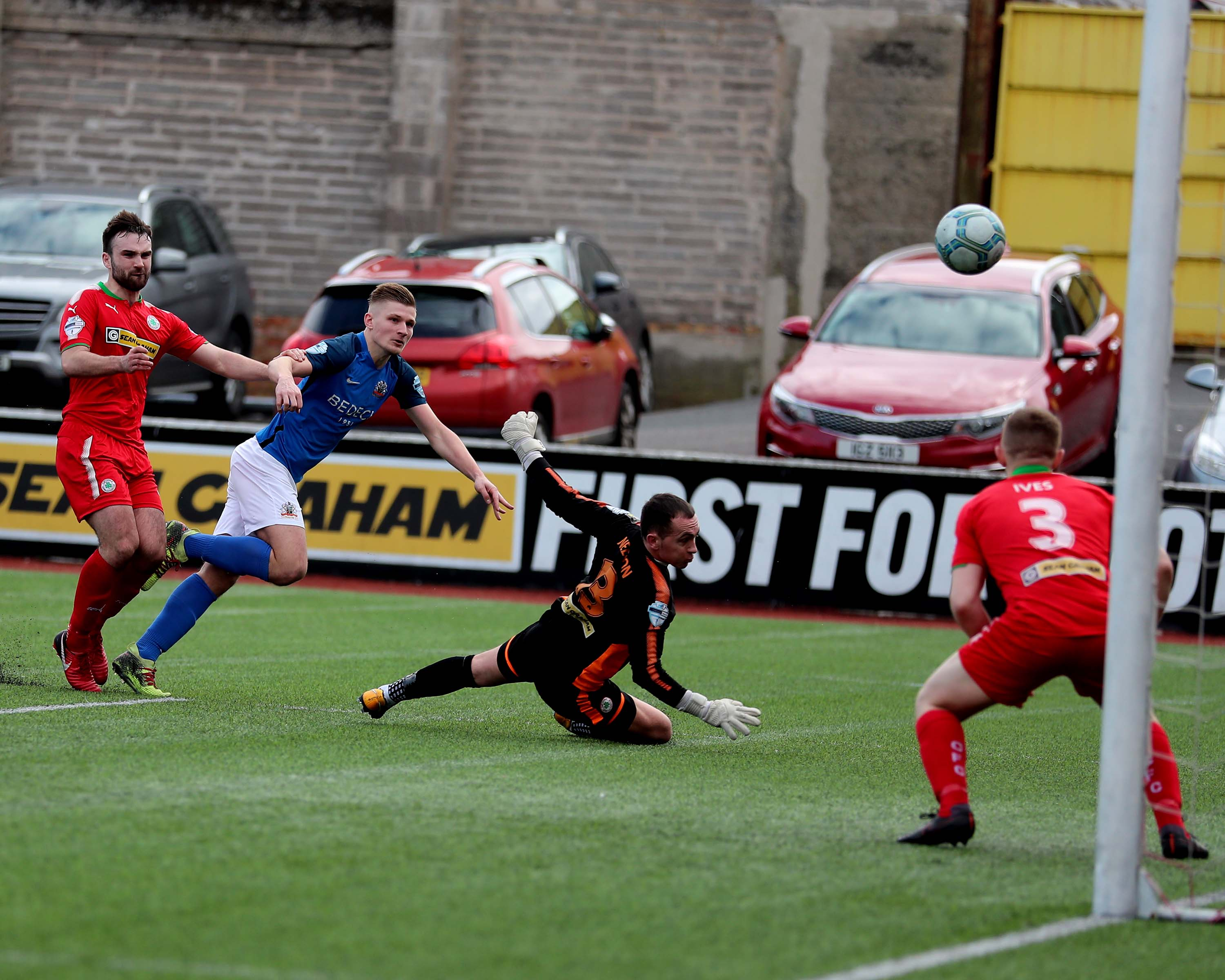 Lurgan Blues Get Back to Winning Ways with Convincing Win at Cliftonville