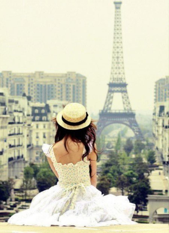 Девушка в париже фото