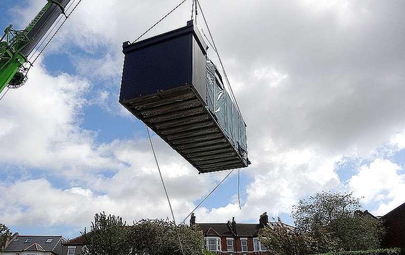 ARHL_building_crane