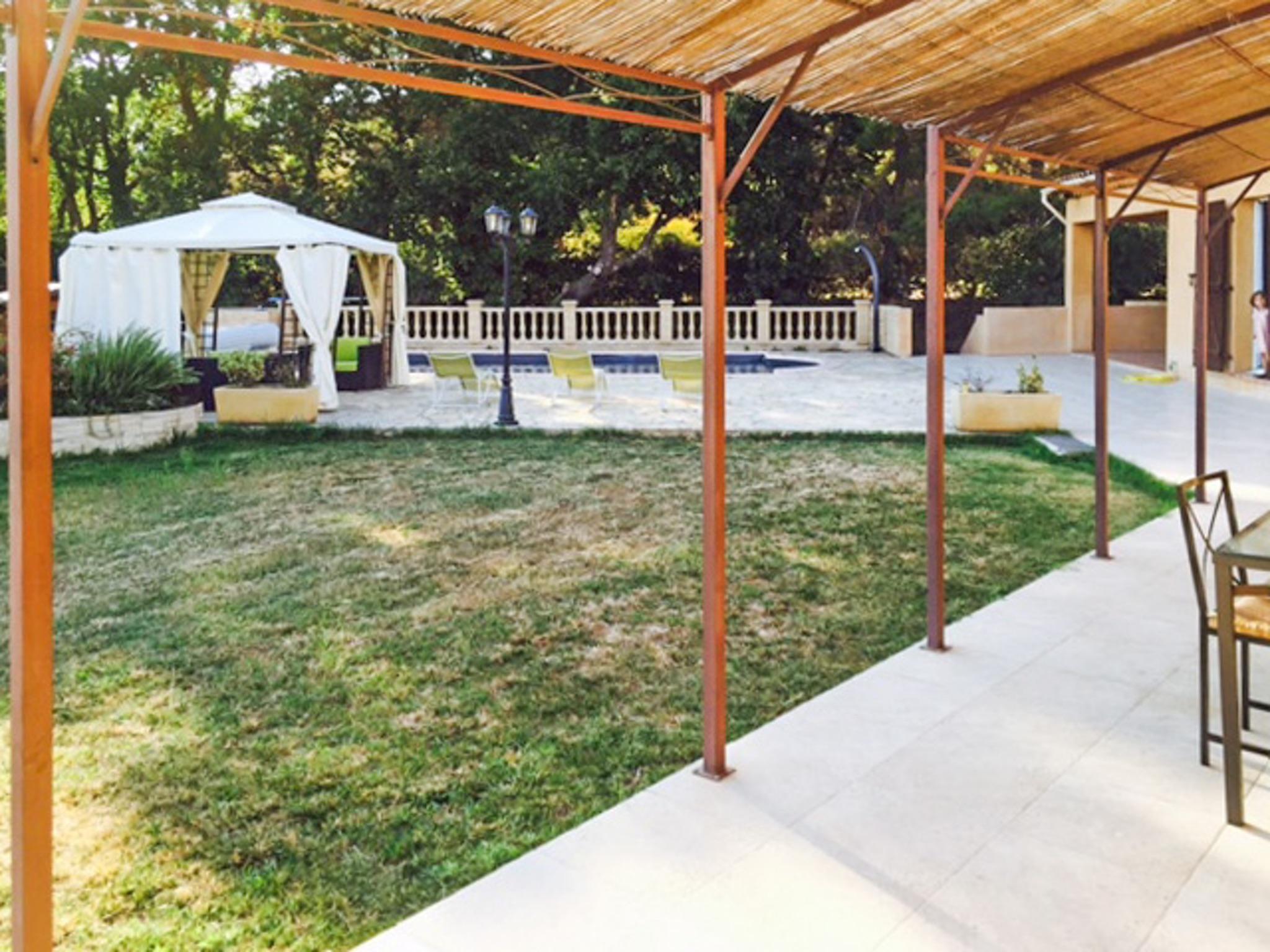 Ferienhaus Haus mit drei Schlafzimmern, Pool, Garten und Terrasse in der Luberon (2201928), Pertuis, Vaucluse, Provence - Alpen - Côte d'Azur, Frankreich, Bild 31