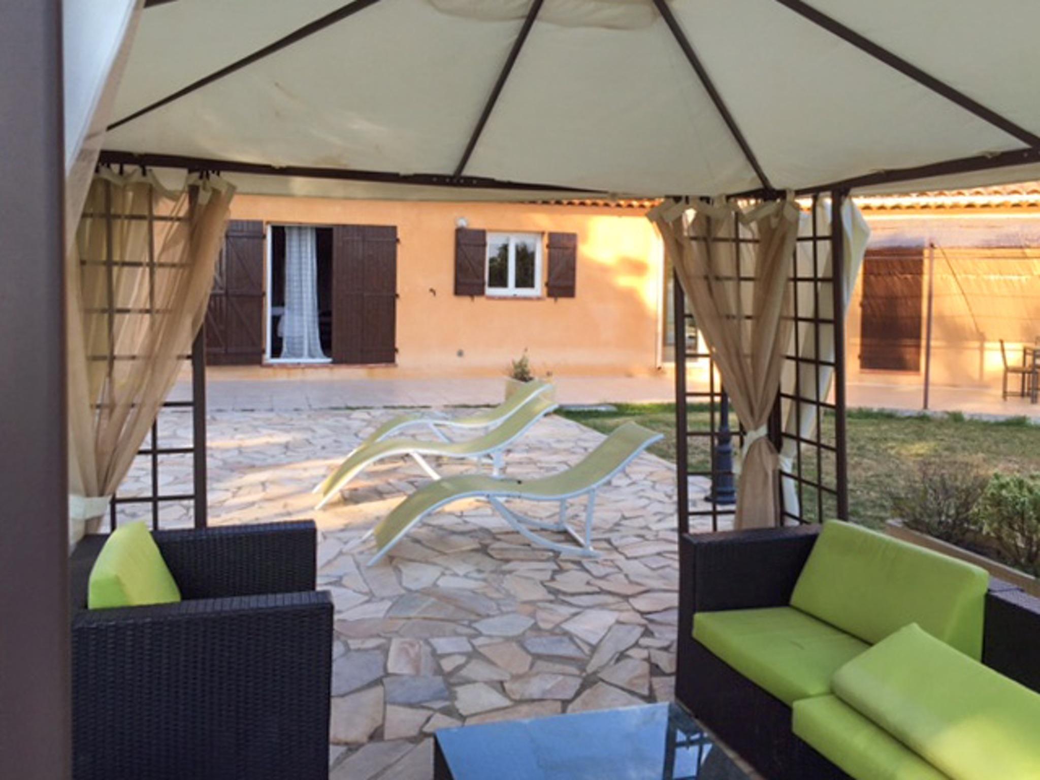 Ferienhaus Haus mit drei Schlafzimmern, Pool, Garten und Terrasse in der Luberon (2201928), Pertuis, Vaucluse, Provence - Alpen - Côte d'Azur, Frankreich, Bild 22