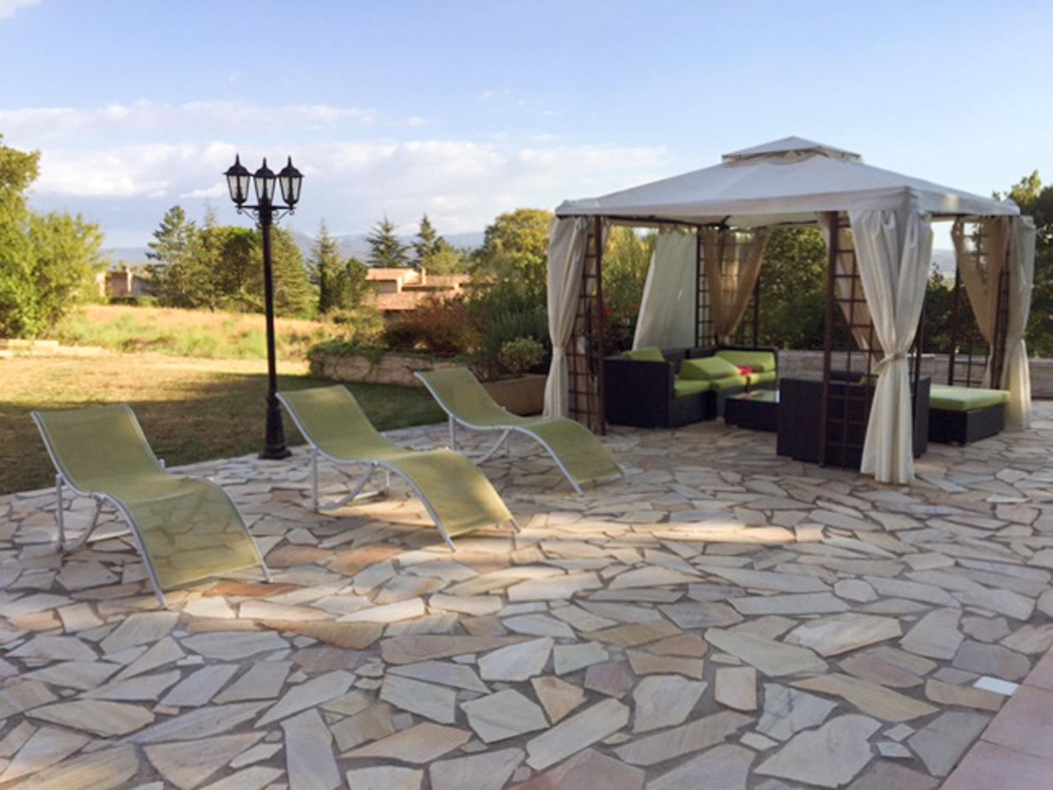 Ferienhaus Haus mit drei Schlafzimmern, Pool, Garten und Terrasse in der Luberon (2201928), Pertuis, Vaucluse, Provence - Alpen - Côte d'Azur, Frankreich, Bild 27