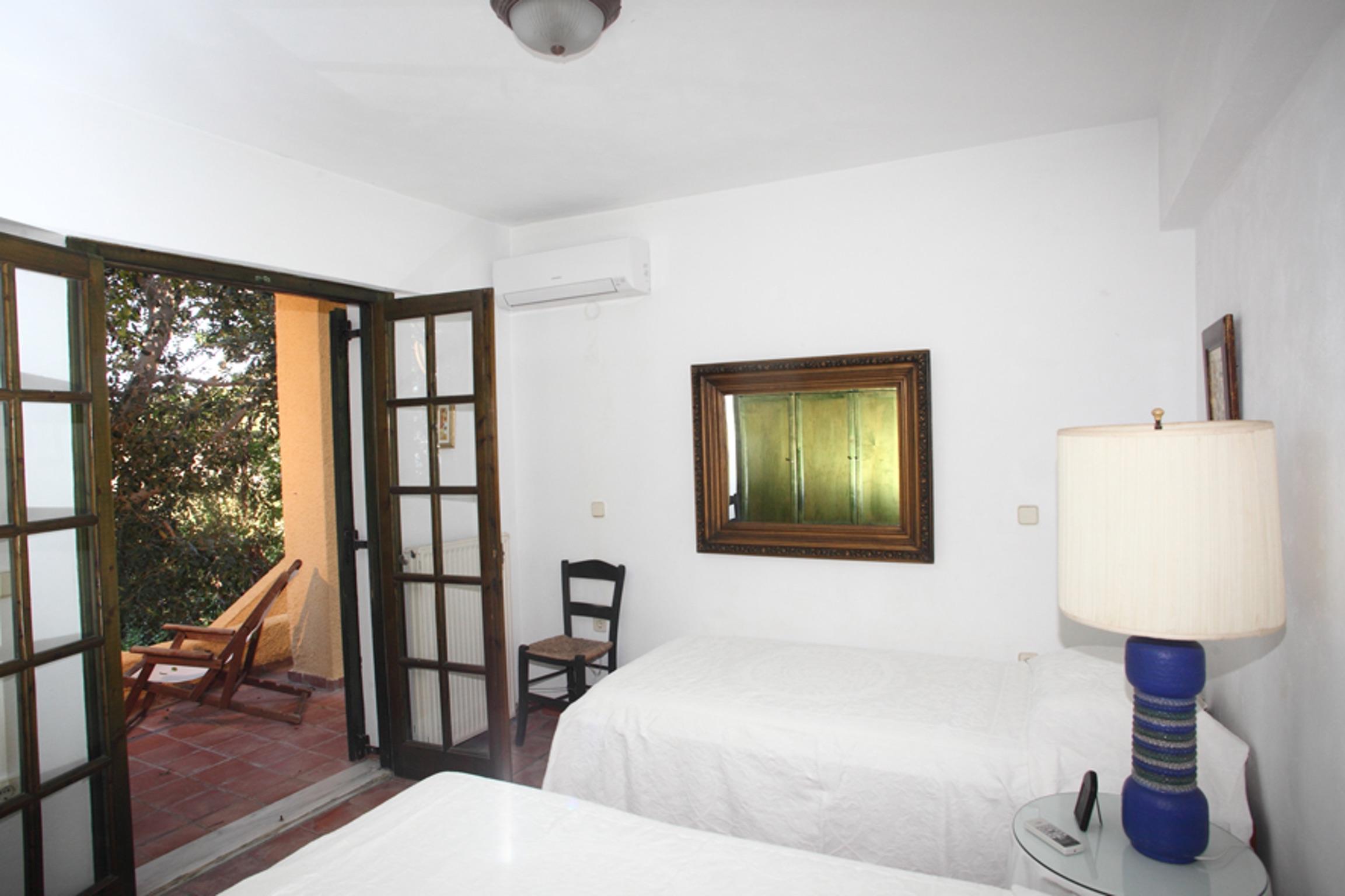 Holiday house Villa mit 4 Zimmern in Kosta mit herrlichem Meerblick, privatem Pool, eingezäuntem Garten  (2271451), Kosta (GR), , Peloponnese, Greece, picture 9