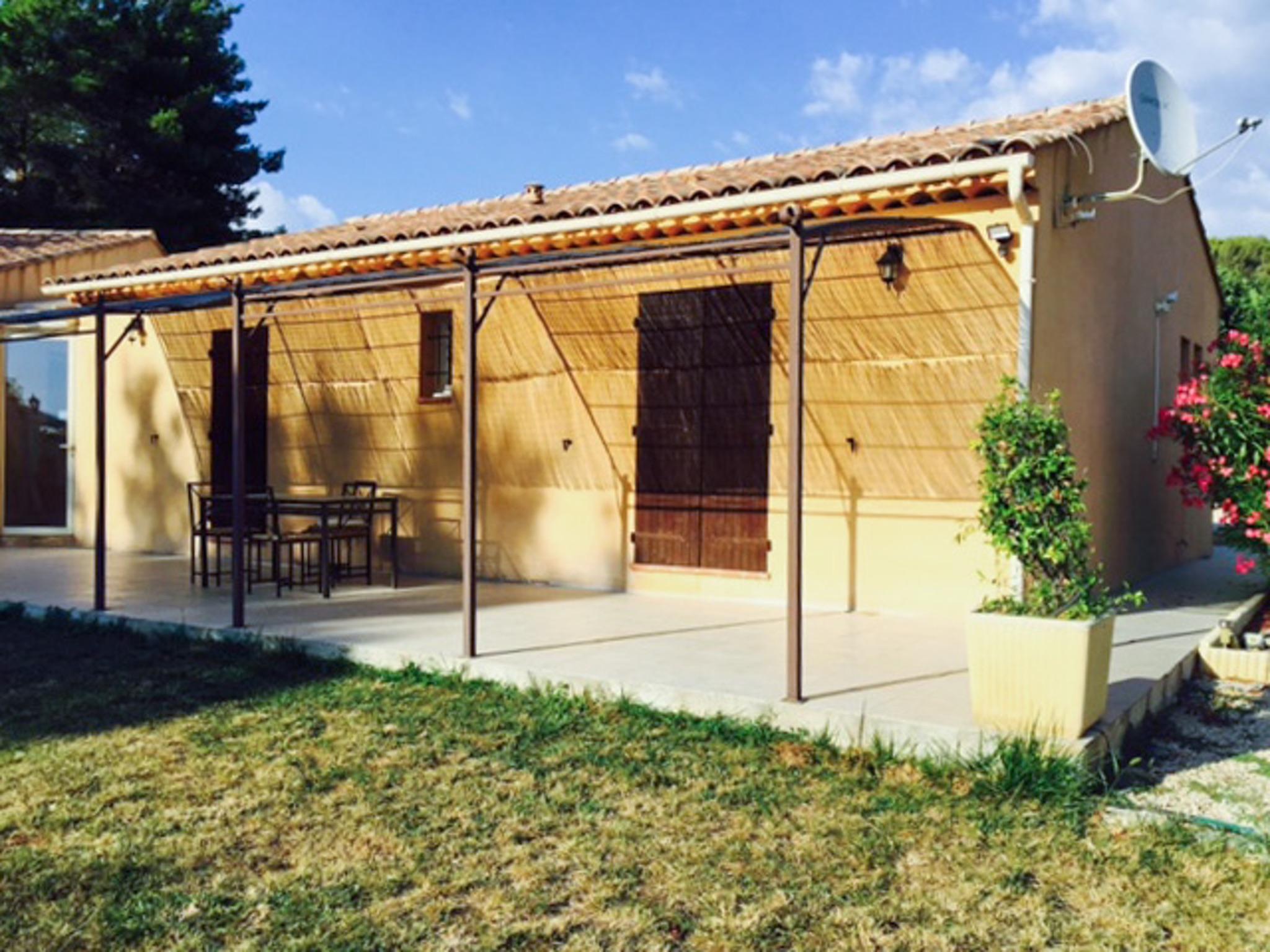 Ferienhaus Haus mit drei Schlafzimmern, Pool, Garten und Terrasse in der Luberon (2201928), Pertuis, Vaucluse, Provence - Alpen - Côte d'Azur, Frankreich, Bild 36