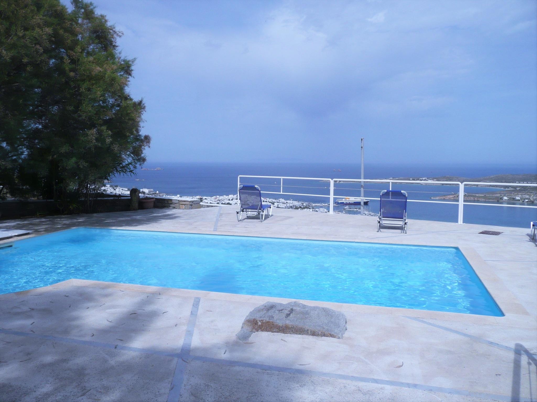 Ferienhaus Villa im Kykladen-Stil auf Paros (Griechenland), mit 2 Schlafzimmern, Gemeinschaftspool &  (2201782), Paros, Paros, Kykladen, Griechenland, Bild 1