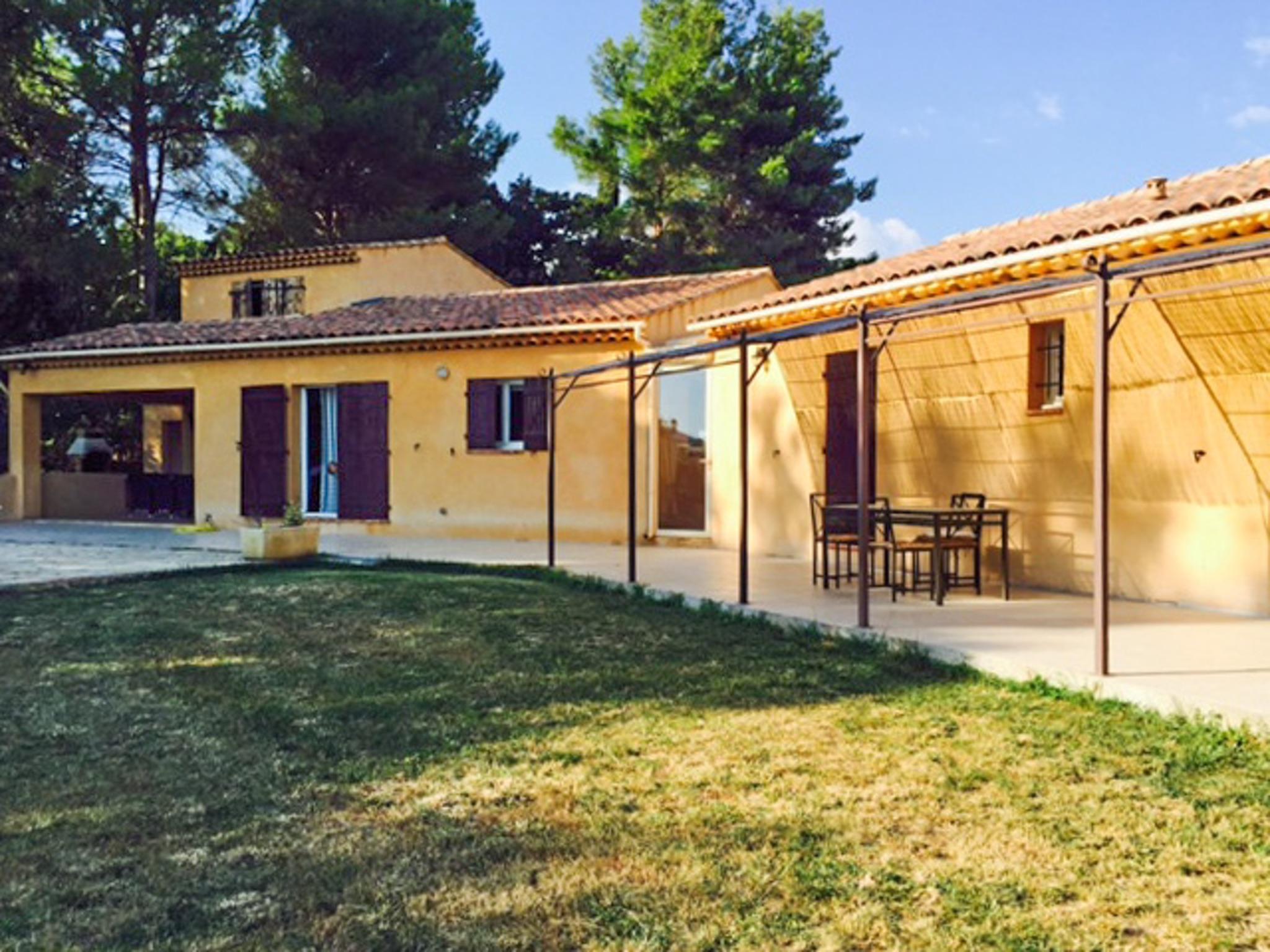 Ferienhaus Haus mit drei Schlafzimmern, Pool, Garten und Terrasse in der Luberon (2201928), Pertuis, Vaucluse, Provence - Alpen - Côte d'Azur, Frankreich, Bild 34