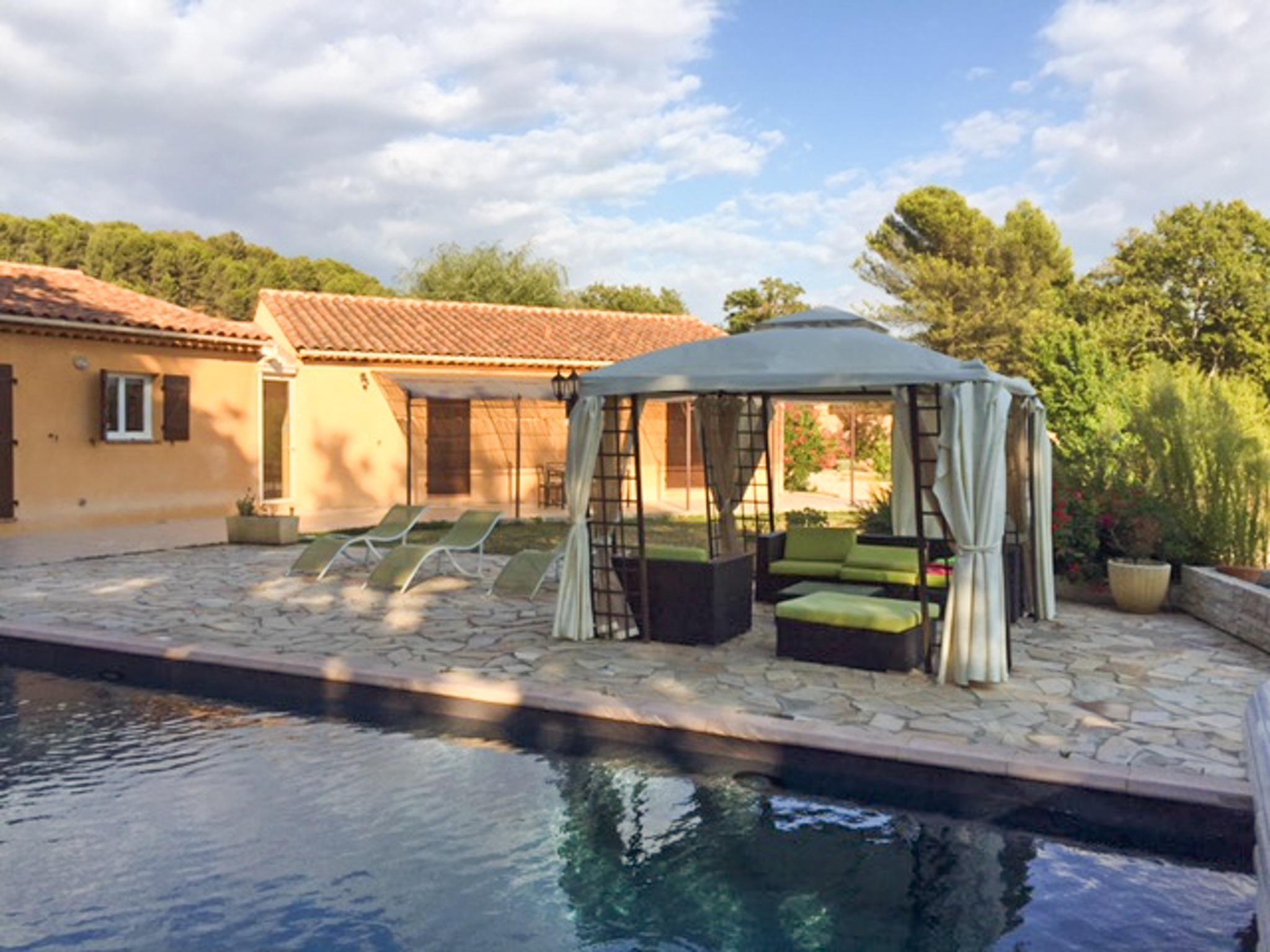Ferienhaus Haus mit drei Schlafzimmern, Pool, Garten und Terrasse in der Luberon (2201928), Pertuis, Vaucluse, Provence - Alpen - Côte d'Azur, Frankreich, Bild 4