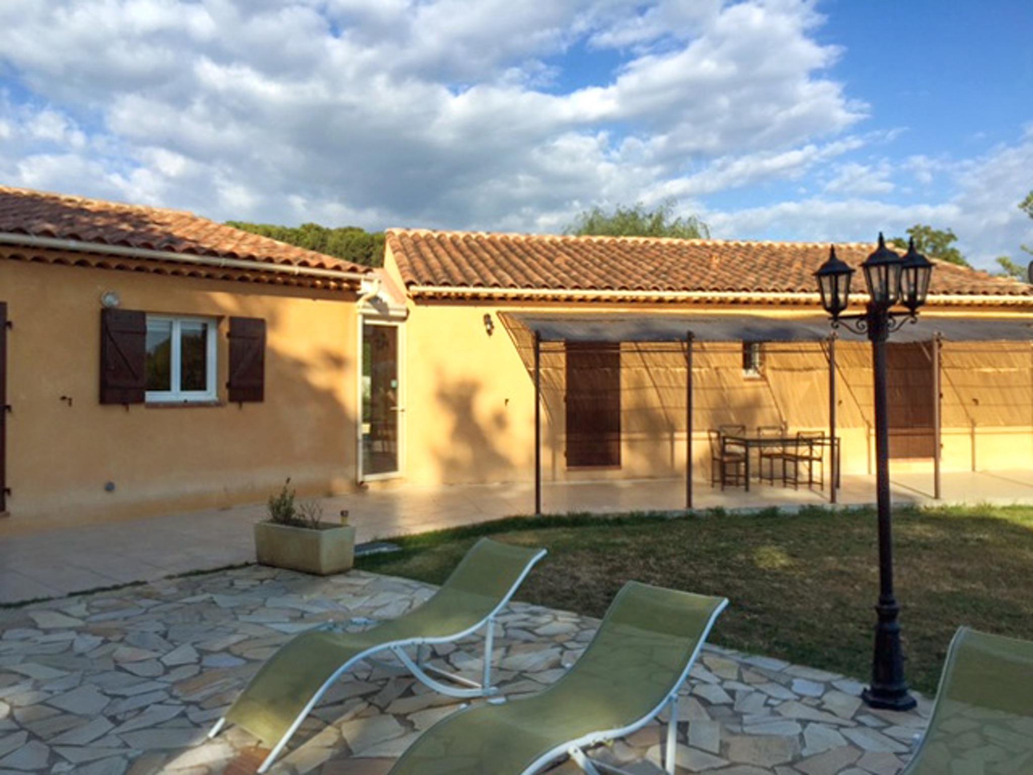 Ferienhaus Haus mit drei Schlafzimmern, Pool, Garten und Terrasse in der Luberon (2201928), Pertuis, Vaucluse, Provence - Alpen - Côte d'Azur, Frankreich, Bild 42