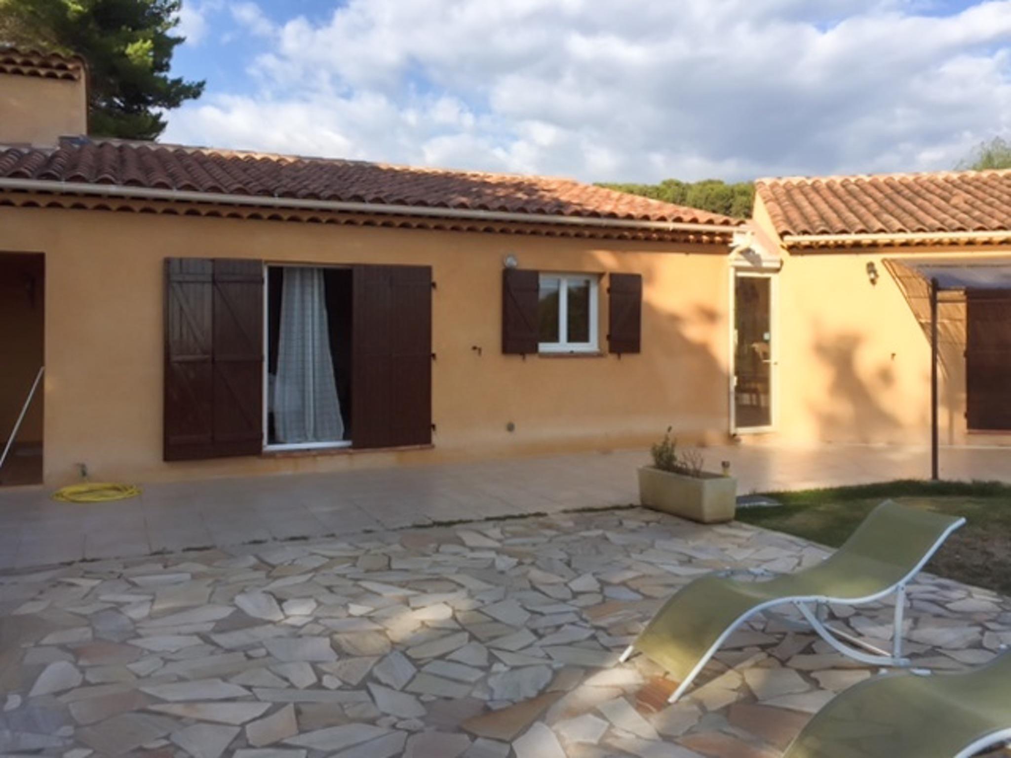 Ferienhaus Haus mit drei Schlafzimmern, Pool, Garten und Terrasse in der Luberon (2201928), Pertuis, Vaucluse, Provence - Alpen - Côte d'Azur, Frankreich, Bild 26