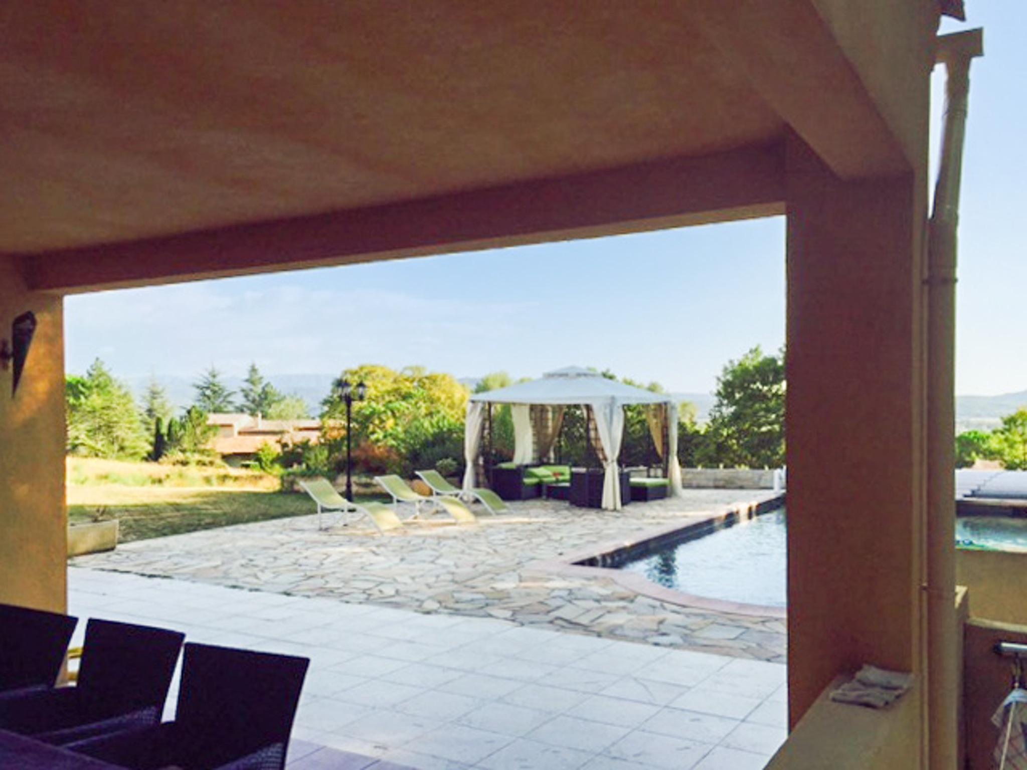 Ferienhaus Haus mit drei Schlafzimmern, Pool, Garten und Terrasse in der Luberon (2201928), Pertuis, Vaucluse, Provence - Alpen - Côte d'Azur, Frankreich, Bild 2