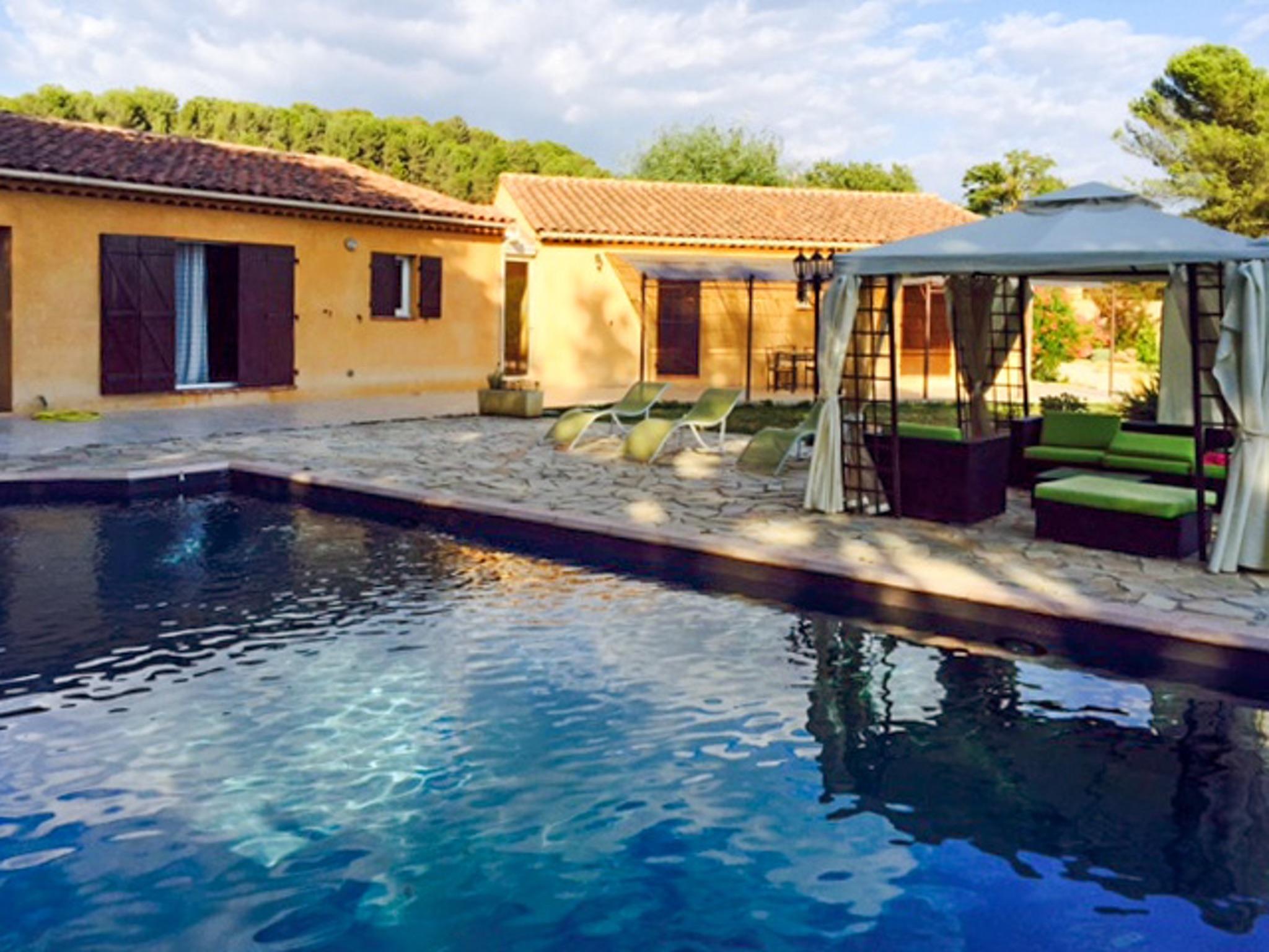 Ferienhaus Haus mit drei Schlafzimmern, Pool, Garten und Terrasse in der Luberon (2201928), Pertuis, Vaucluse, Provence - Alpen - Côte d'Azur, Frankreich, Bild 1