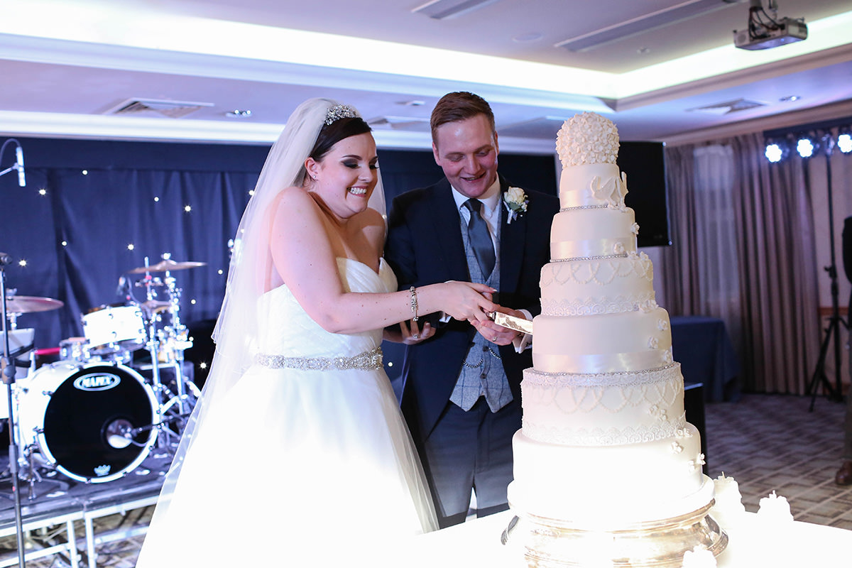 Cake Cutting, Manchester and Cheshire Wedding Photographer, Cottons Hotel Wedding Photography