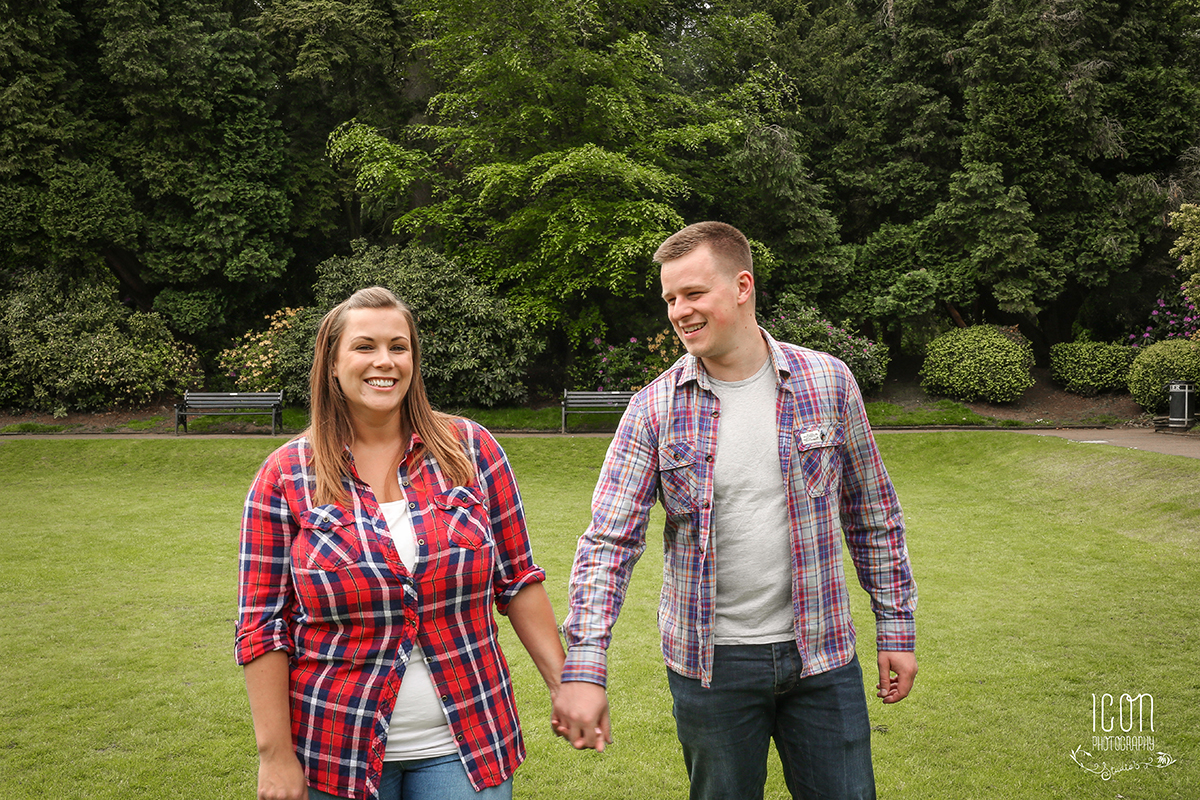 pre-wedding photography Bramhall Park
