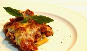Gratin de pâtes jambon, mozzarella, tomates saveur pizza