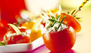 Tomate cocktail farcie au gorgonzola et pomme verte