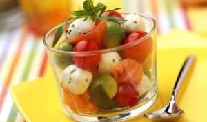 Verrine de billes multicolores avec les billes 5 g de mozzarella Galbani Santa Lucia