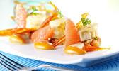 Saint-jacques croustillantes à la mozzarella  et compotée de tomate au pamplemousse