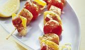 Brochettes de saumon aux dés de lardons