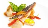 Filet de daurade juste saisi, fenouil confit, rouille, jus de bouillabaisse : alex lozachmeur, au petit salut, à singapour