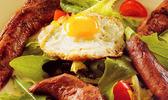 Salade d'aiguillettes marinées, mesclun provençal