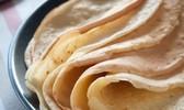 Pâte à crêpes avec du lait ou avec de l'eau, sucrée ou salée