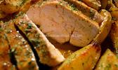 Poitrine de dinde rôtie & country patatoes jus à la bière