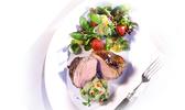 Steaks d'agneau grillés et leur dip chili-avocat
