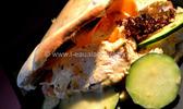 Pita au poulet en salade