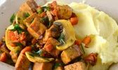 Tempeh au massalé & purée de pomme de terre à l'ail et à l'huile d'olive