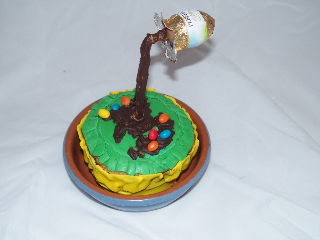 Gravity Cake Oeuf De P Ques Par Gourmicom