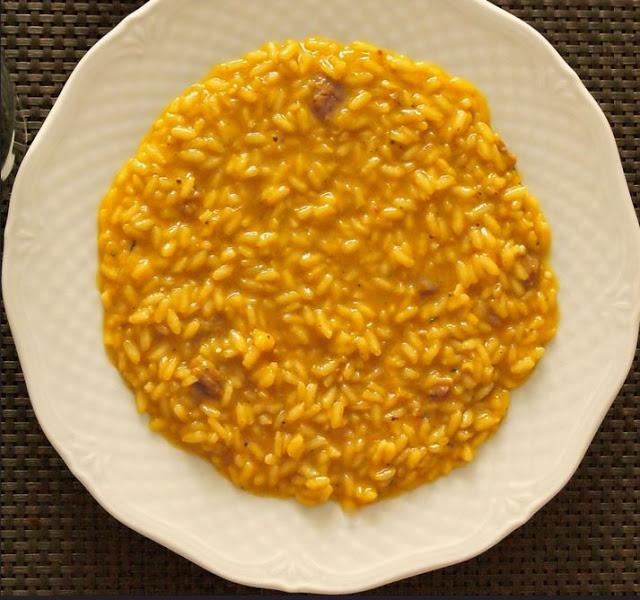 riz la v nitienne au safran et curcuma comme un risotto par streetfood et cuisine du monde. Black Bedroom Furniture Sets. Home Design Ideas