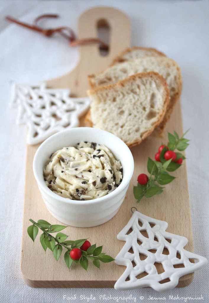 Recettes de truffes noires par bistro de jenna beurre de truffes la pomme de terre vapeur - Comment cuisiner les truffes noires ...