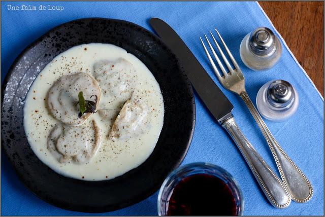 Recettes de raiovles par une faim de loup raviolis farcis pinards et foie gras cr meux au - Cuisiner le foie de lotte ...
