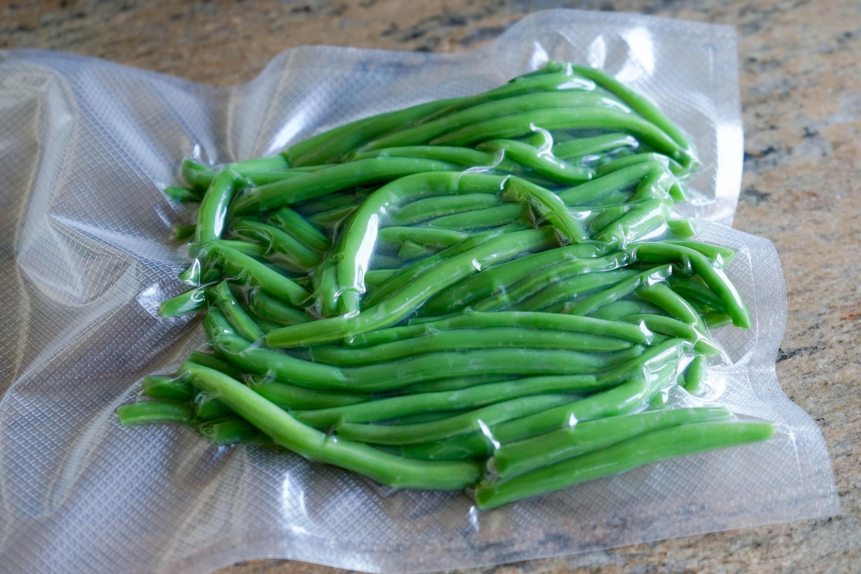 Conserver les haricots verts sous vide technique for Blanchir legumes pour congeler