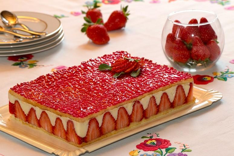 le fraisier un des desserts pr 233 f 233 r 233 s des fran 231 ais une p 226 tisserie d une fra 238 cheur et d une