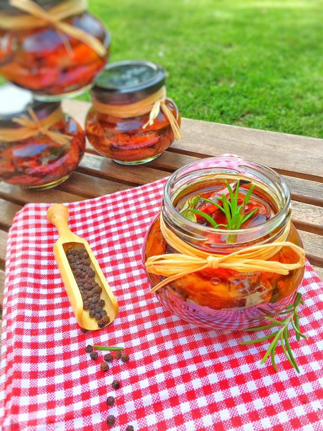 Recettes de tomates confites par du bio dans mon bento for Vers dans les tomates