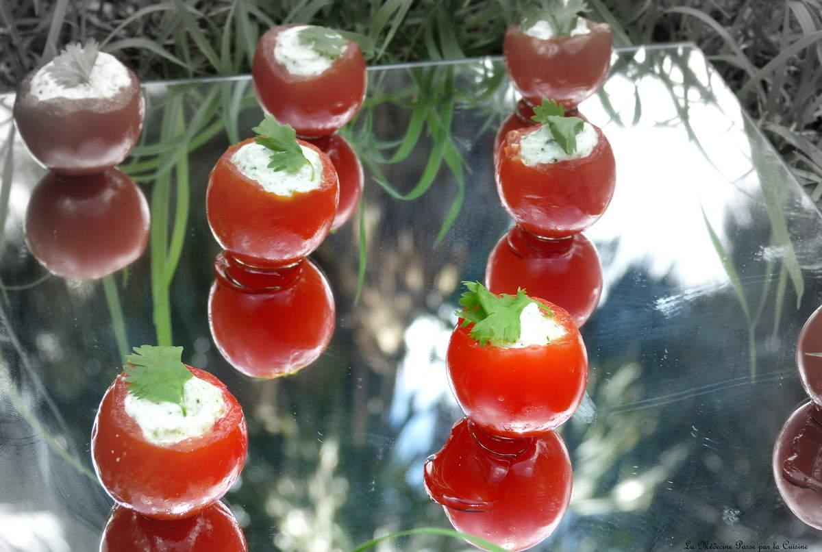 Recettes de tomates cerises par docteur chocolatine tomates cerises farcies la mousse de - Cuisiner les tomates sechees ...