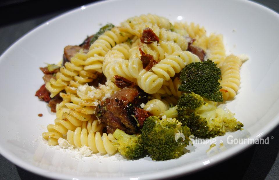 p 226 tes aux saucisses et au brocolis par simple gourmand